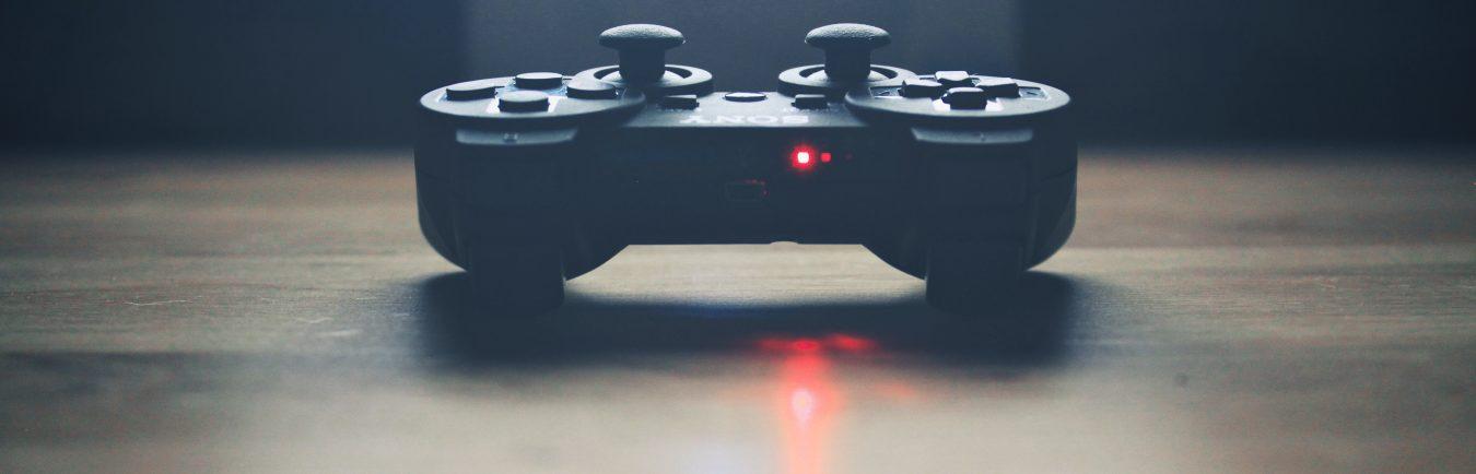 light-game-joystick-controller-video-game-play-79-pxhere.com